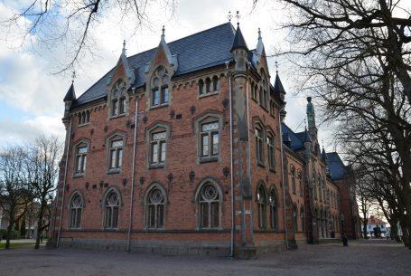 Djäknehuset, Nytt stadshus i Skara